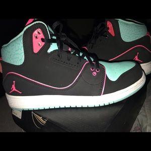 Nike Jordan 1 Flight 2 GG size 7Y